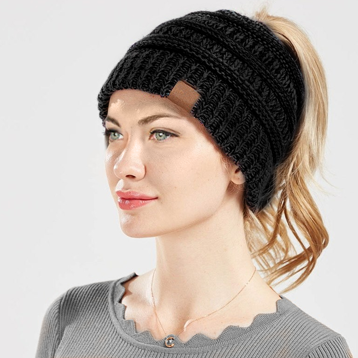 IAG-Girls-Ponytail-Beanie-Lifestyle-2-SKU102122-1200×1200
